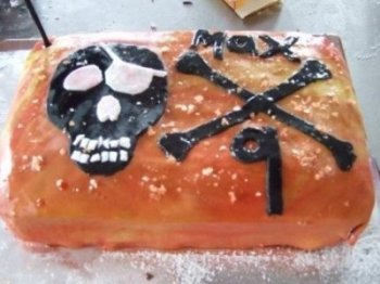 Home baked Cakes to order at irelandglamping.com - skull and cross bones