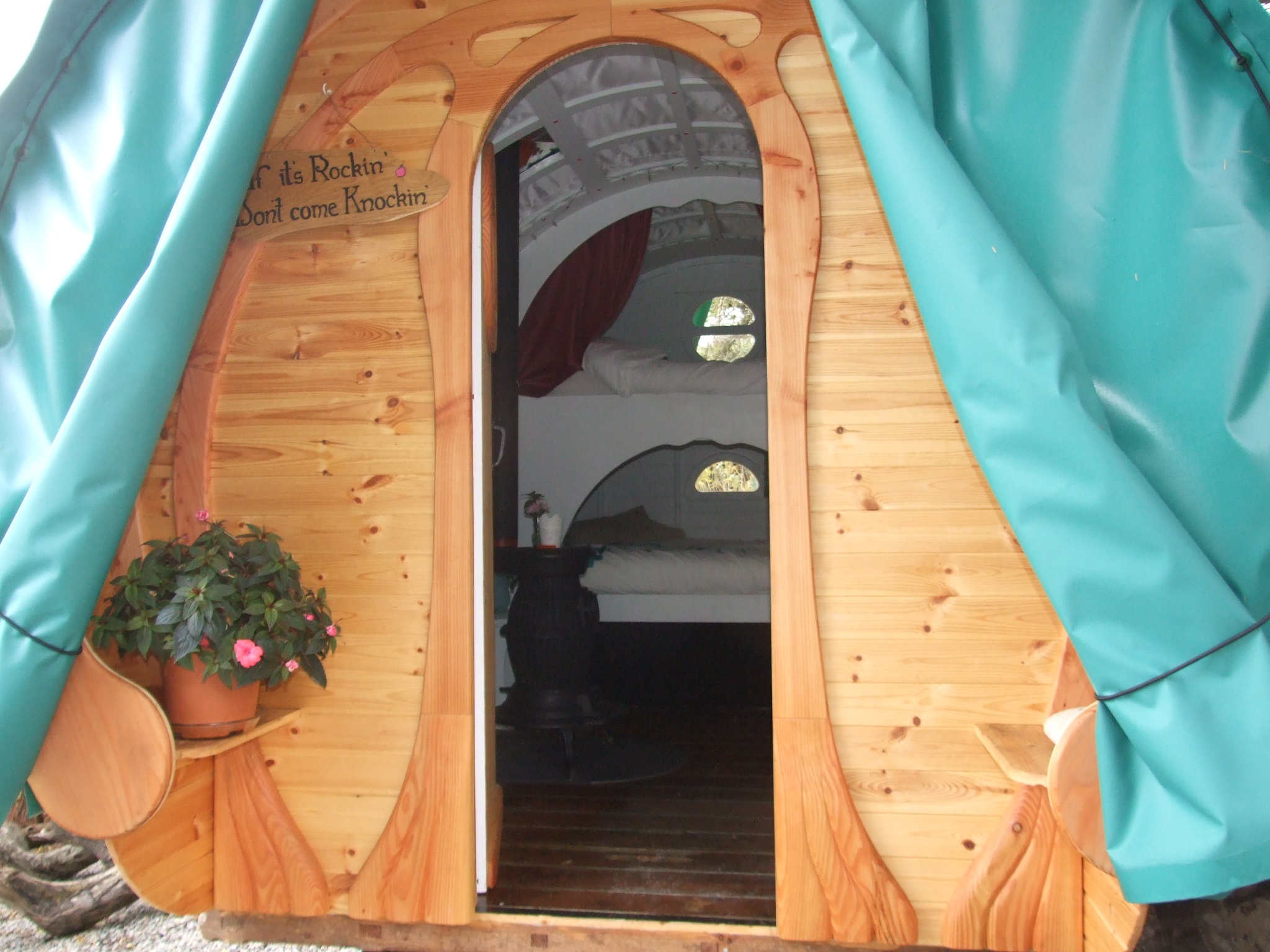 The Bow Topped Gypsy Wagon Interior. 003