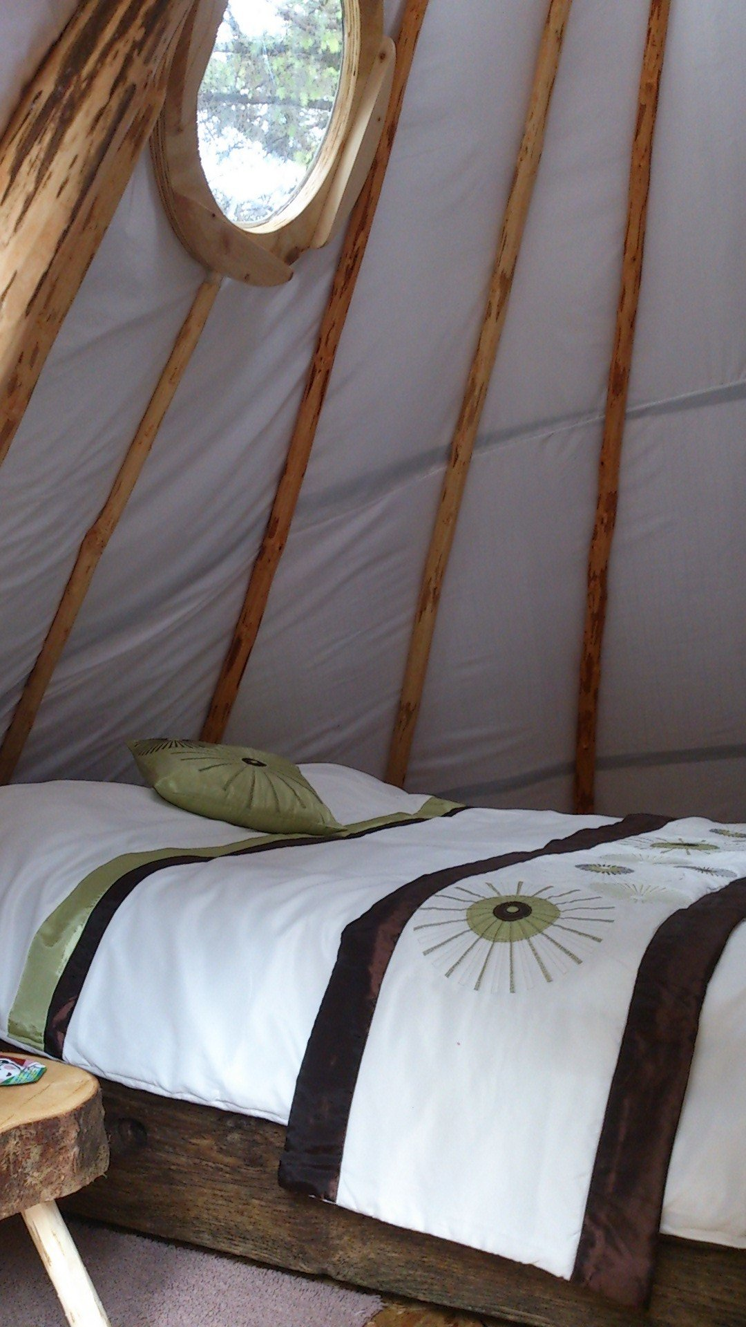 pink-apple-orchard-irelandglamping-teepee-yurts-007