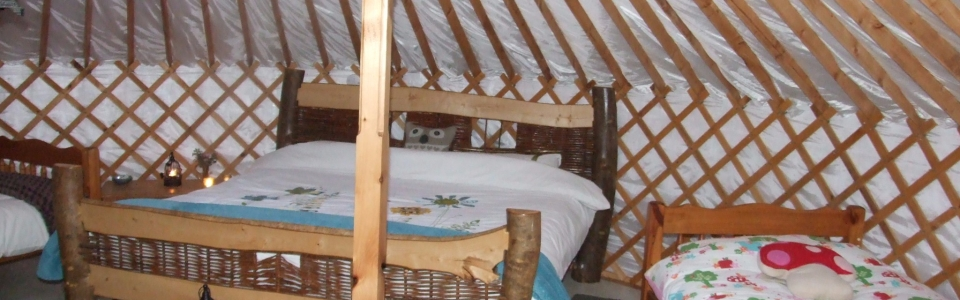 2015 Irelandglamping Interior of Pink Apple Orchards Yurts 006
